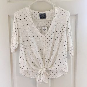 Abercrombie & Fitch tie front polka dot blouse